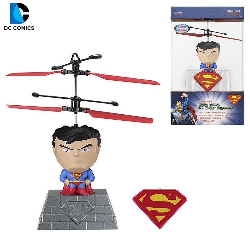 Cobo DC Comics Летящ Супермен с дистанционно 040025