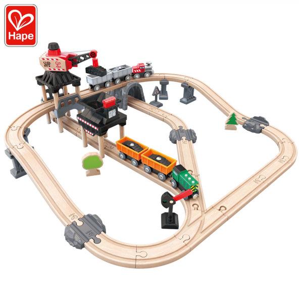 Hape Дървен влак с товарен кран H3756