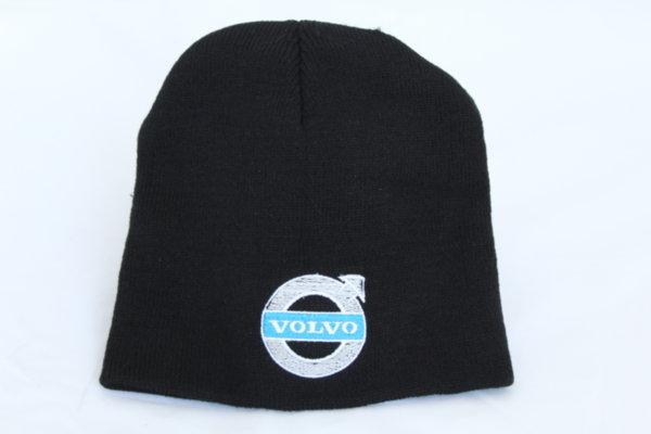 Зимна шапка с бродерия Volvo