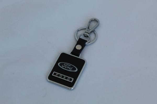 Стилен ключодържател Ford