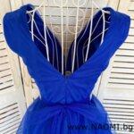 Официална коктейлна рокля от тюл в кралско син цвят