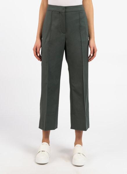 Сив панталон със скъсена кройка