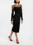 Черна вталена рокля с дантела