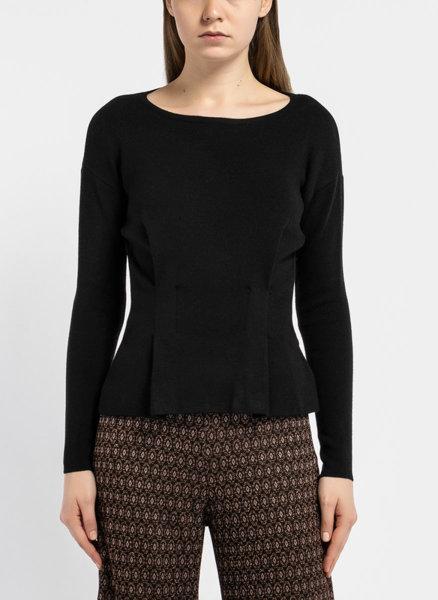 Черен втален пуловер с плисета