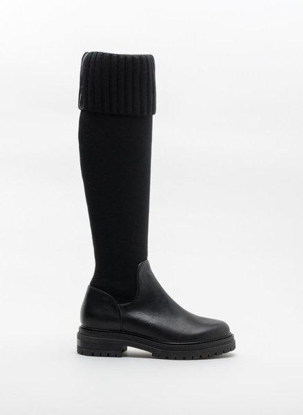 Черни високи ботуши