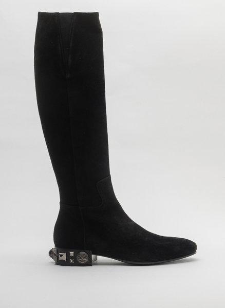 Черни ботуши с орнаменти