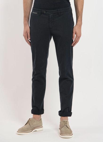 Втален chino панталон