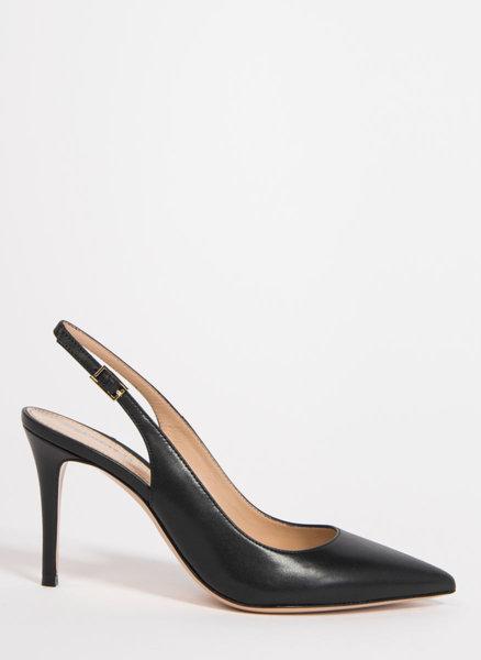 Обувки от естествена кожа