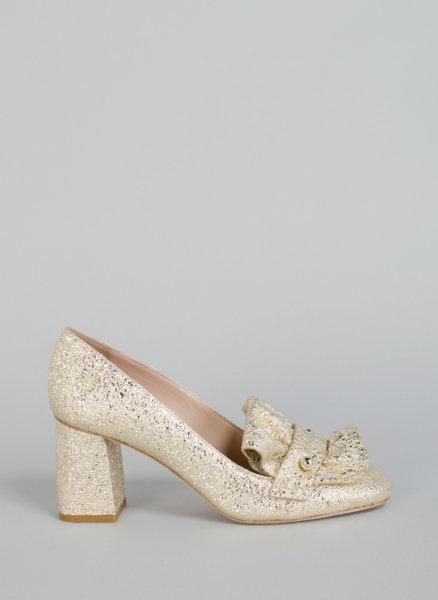 Обувки с ламиниран ефект