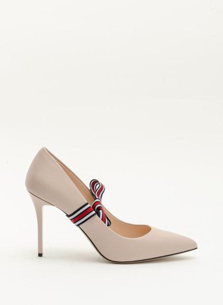 Обувки на ток с панделки