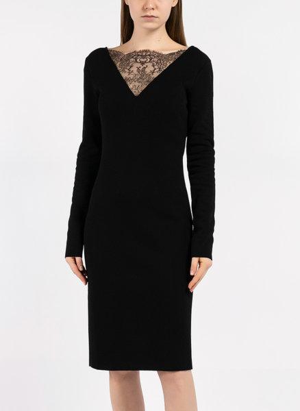 Миди рокля с детайли от дантела