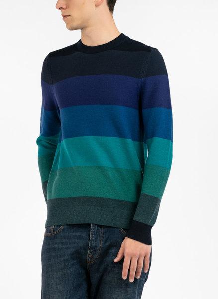 Пуловер с преливащи нюанси