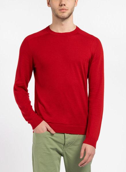 Пуловер с обло деколте
