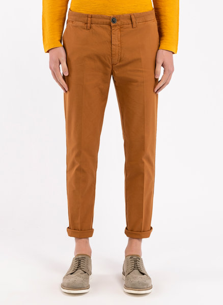 Втален чино панталон
