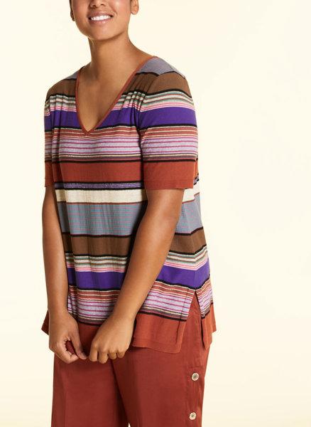 Пуловер с раиран дизайн