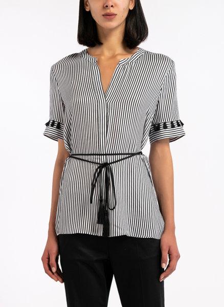 Копринена риза с пискюли