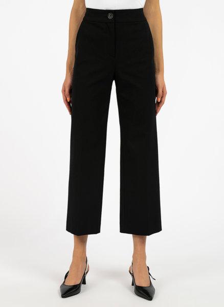 Панталон със скъсена кройка