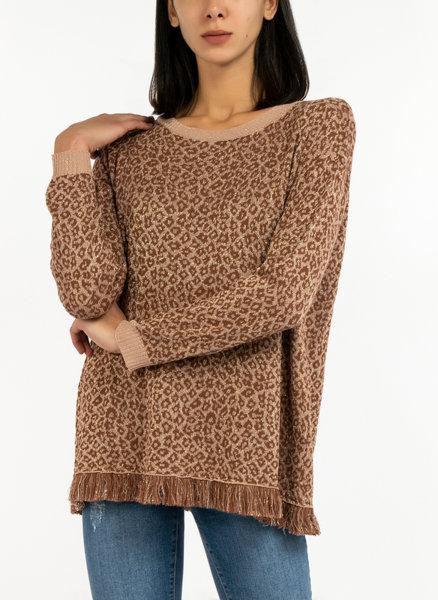 Пуловер с ресни