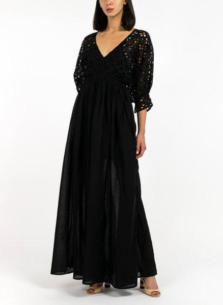 Дълга рокля с бродерия