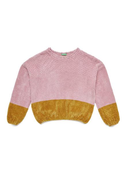 Пуловер  с детайл Benetton