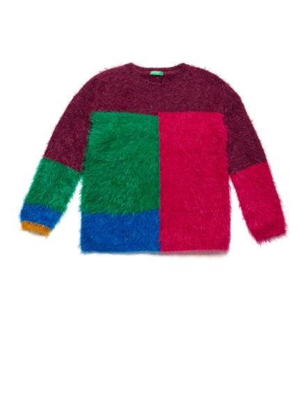 Пуловер с контрастни детайли