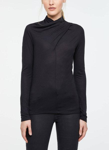 Блуза с усукан детайл Sisley
