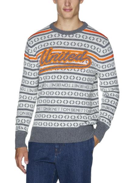 Пуловер с неонови нишки Benetton