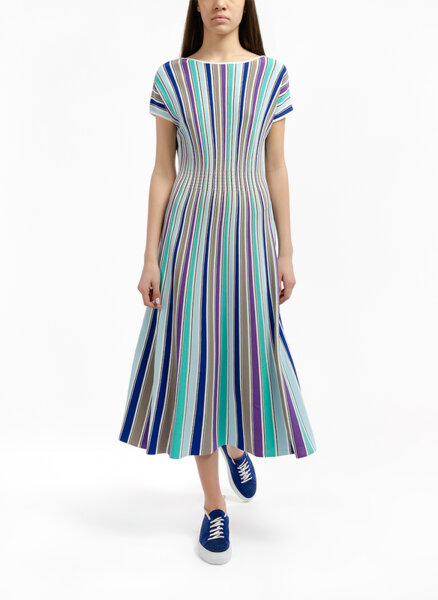 Раирана вталена рокля Marc Cain Collections