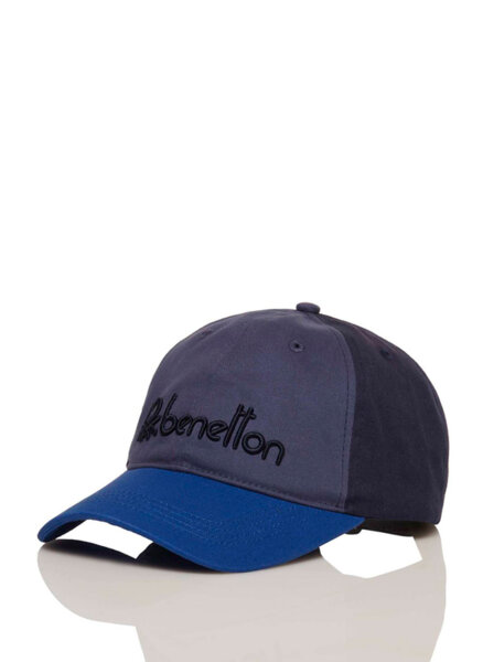 Шапка с бродирано лого Benetton