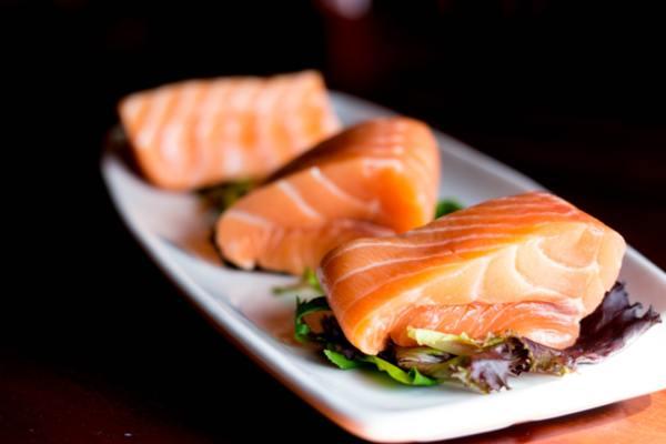 Eто какво трябва да знаеш за приема на рибено масло по време на бременност.