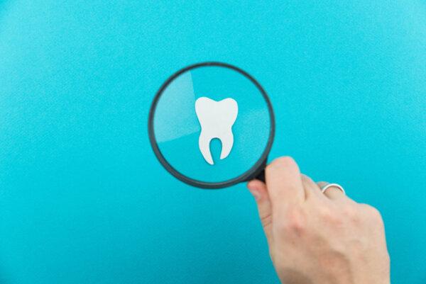 Как да избелиш зъбите си без да ги увредиш?