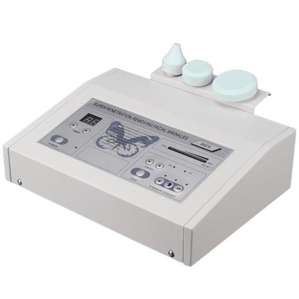 Aparat cu ultrasunete cu 3 transductori diferiți pentru diferite zone