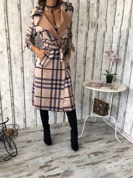 Стилно дамско велурено палто