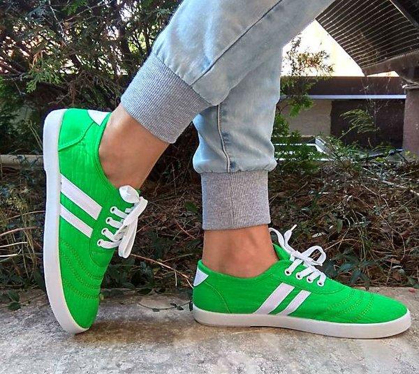 Дамски спортни обувки в зелено