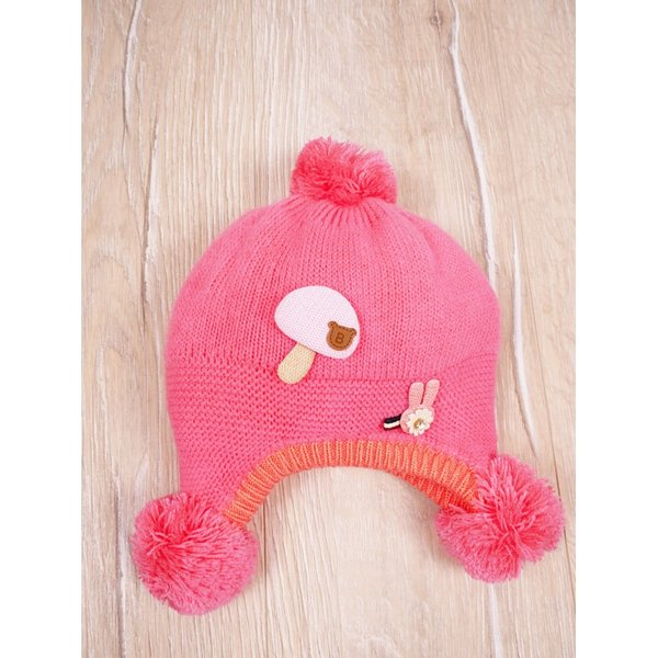 Бебешка шапка с пискюли
