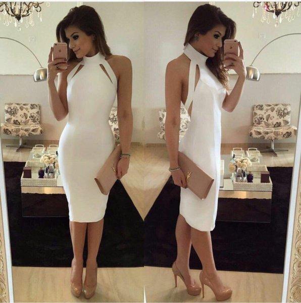 Елегантна рокля в бяло