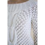 Ръчно плетен пуловер BEE