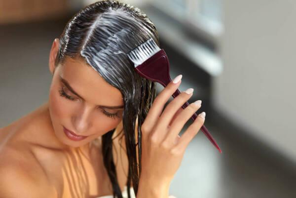 Как да нанасяме правилно балсама и маската за коса