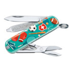 Швейцарски джобен нож Victorinox Classic LE 2020 Sports World