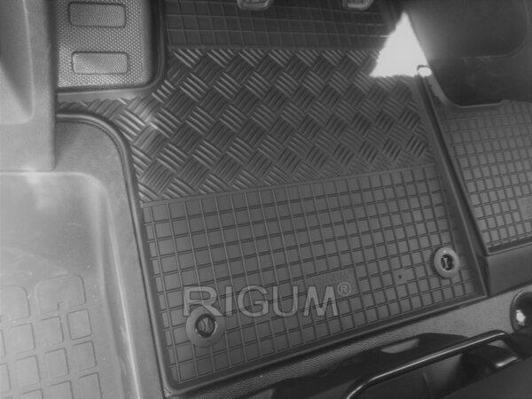 Гумени стелки за Peugeot Expert модел от 2016 година 1-ви ред