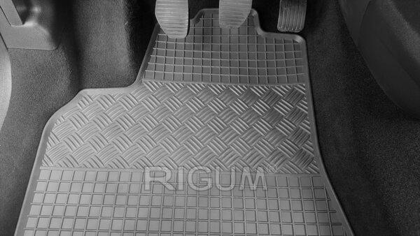 Предни гумени стелки за Peugeot Partner и Citroen Berlingo модел от 2008 година