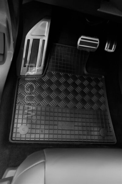 Гумени стелки за Citroen C5 Aircross модел от 2017 година