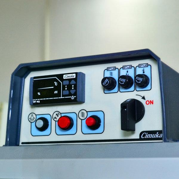 Цифров контролер за инкубатор