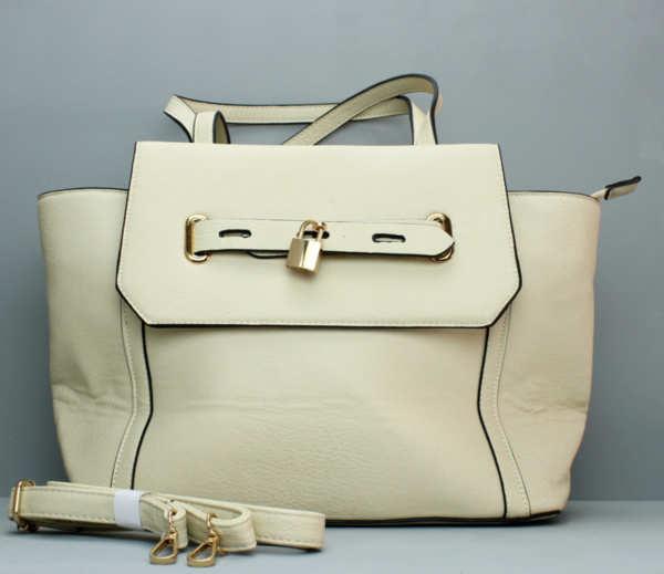 Бежова чанта