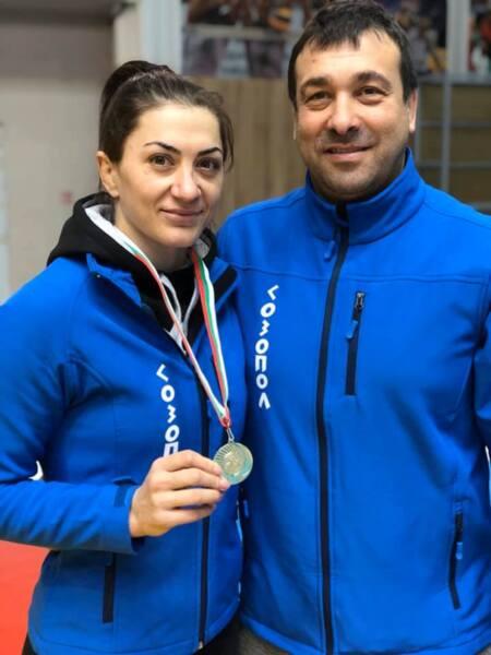 Евелина Николова с поредна държавна титла в борбата от София