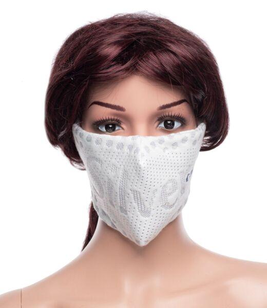 Предпазна маска за лице Medico Silver Care, трислойна, със сребърни йони.
