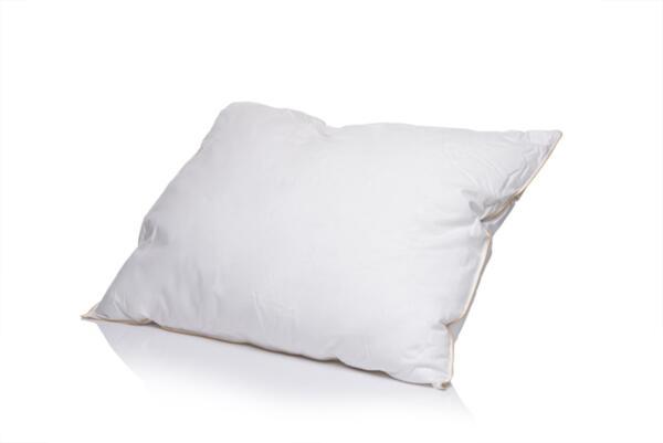 Възглавница Medico Plus Fluffy Touch, с две степени на височина, с пълнеж от синтетичен гъши пух