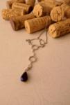 Колие Молекула на червеното вино с капка