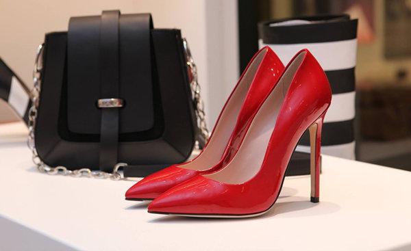 Най-добрият избор на обувки за абитуриентски бал или как да приложим правилото за единствения акцент, когато сме толкова изкушени от бляскав чифт обувки