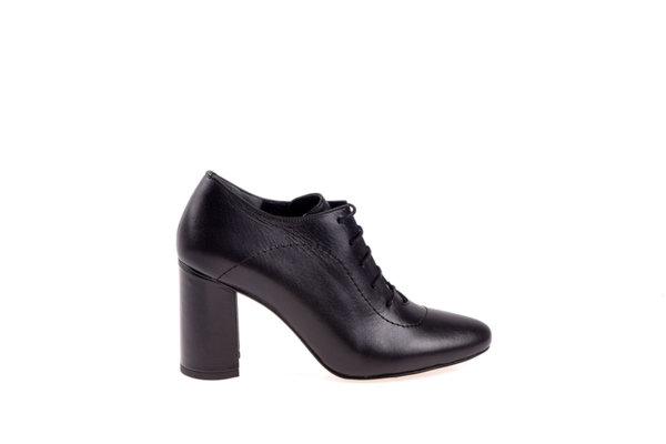 Дамски обувки Aquamarine на висок ток с връзки в черно